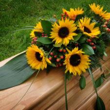 Vazba č. 1. - slunečnice - kytice na rakev